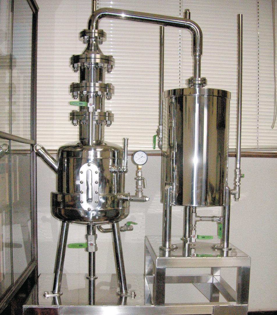 常圧蒸留器